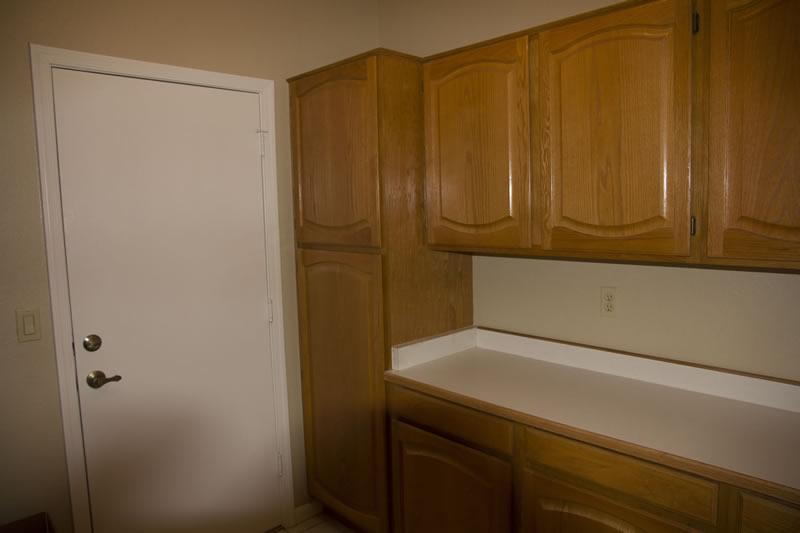 (13) Laundry Room