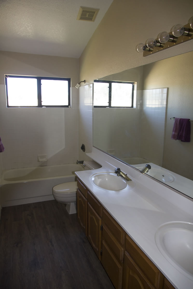 (26) Bathroom