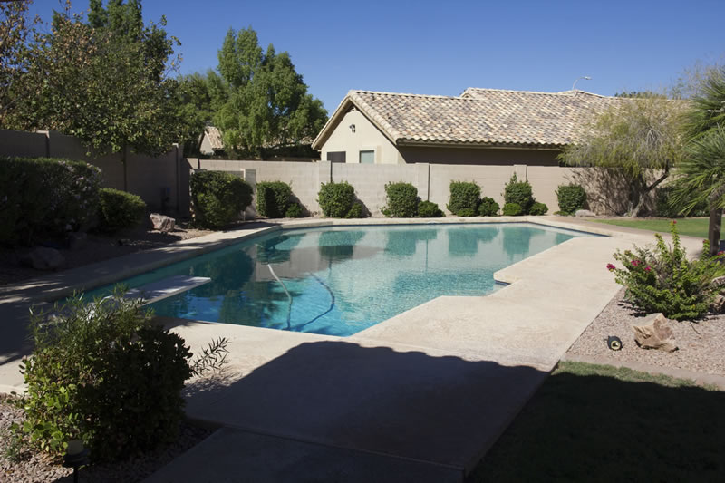 (32) Pool