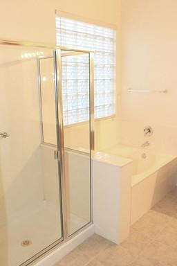 11 Master Bath-Shower