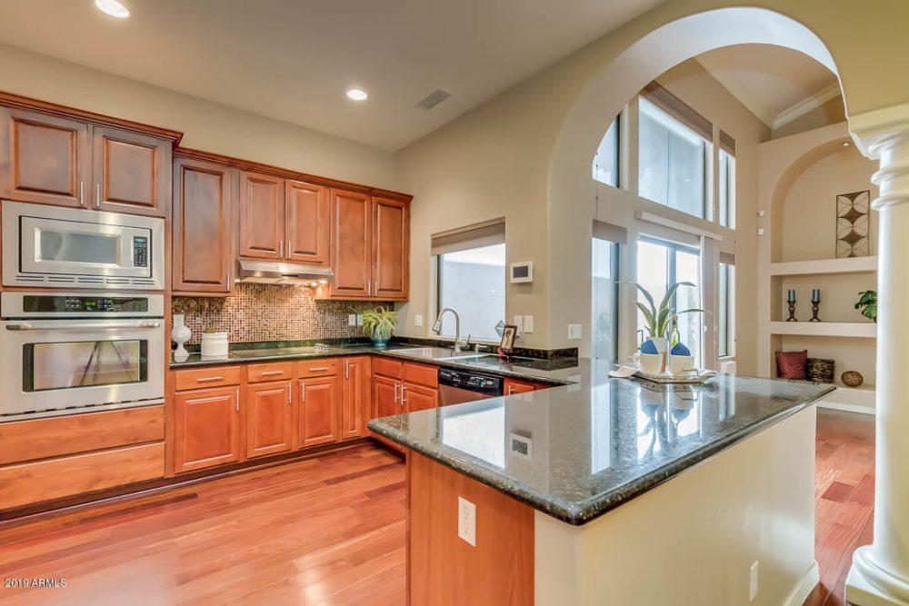 Lakeview kitchen 3
